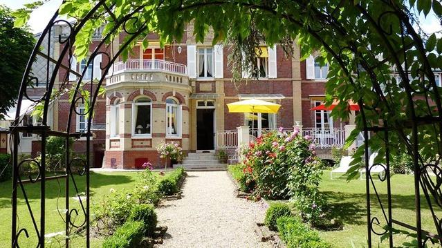 Chambre d 39 h tes villa la gloriette chambre hotes haute for Chambre d hote haute normandie