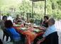 Convivialite de la table d'hôtes
