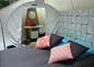 le lit et la salle d'eau de la bulle Pop
