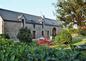Chambres d'hôtes de la ferme de Loge Daniel.Nous vous recevons dans notre charmante maison d'hotes en Bretagne sud, à quimperlé, ville d'art et d'histoire, aux trois rivières, et à seulement 11 kms des plages de sable fin.Quimperlé se situe entre Quimper
