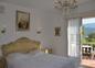 chambre à grand lit de la Suite Familiale